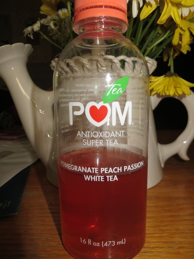 This tea made by POM is really yummy. Usually it's too expensive but this time it was on sale. Yay!